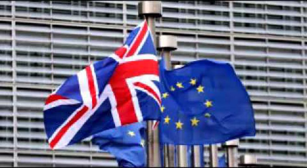 Szymański: Brexit może zmniejszyć prawa socjalne Polaków na Wyspach