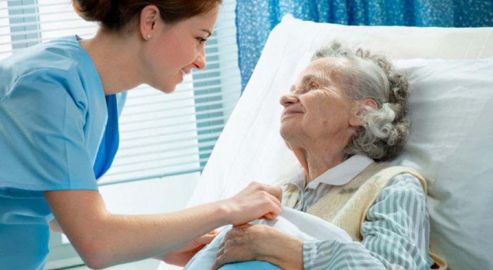 Opiekunka seniorów zawodem z przyszłością?