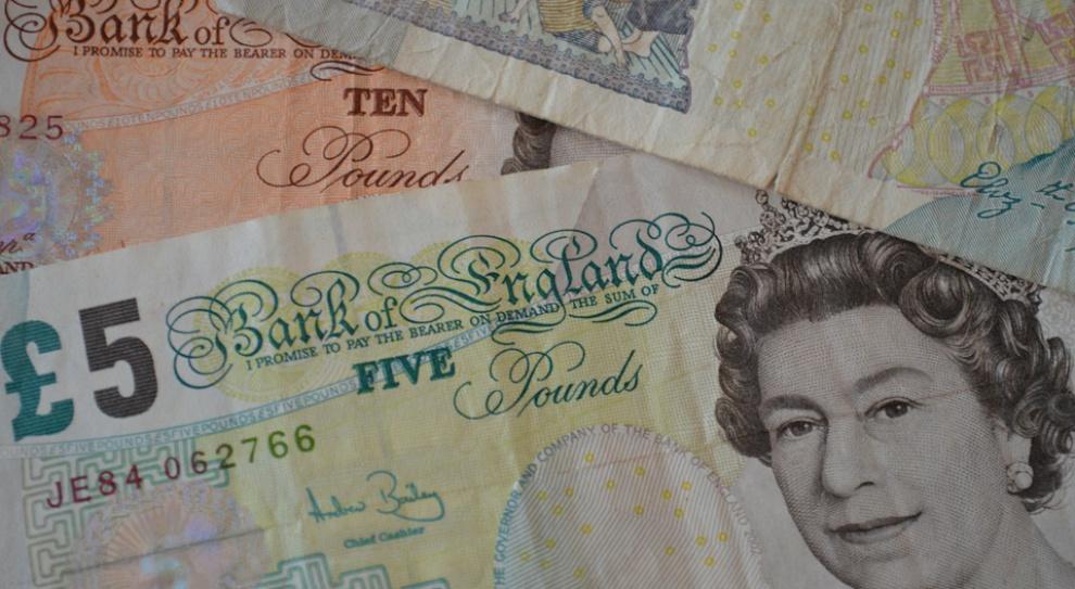 W Wielkiej Brytanii rośnie płaca minimalna. Będą zwolnienia