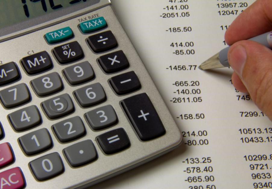 Polacy coraz chętniej oszczędzają sami na emeryturę