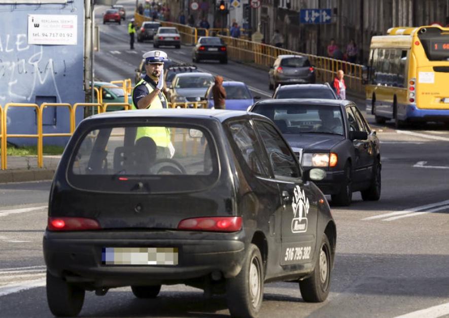Korki w mieście: Ile czasu tracimy na dojazdy do pracy?