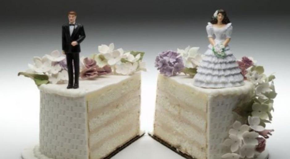 500 zł na dziecko:  Kto ma prawo do świadczenia z programu 500+ po rozwodzie?