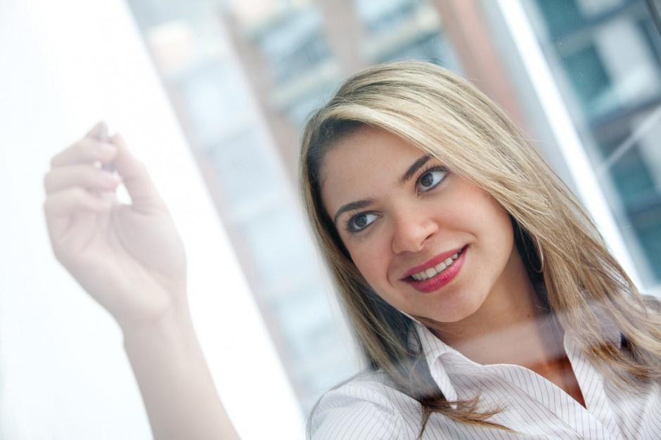 Polskie prawo pracy przewiduje wiele uprawnień dla pracujących kobiet