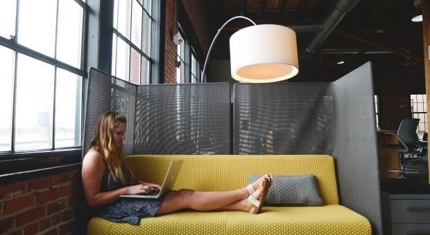 Praca w IT: Odsetek zatrudnionych kobiet w branży bardzo niski