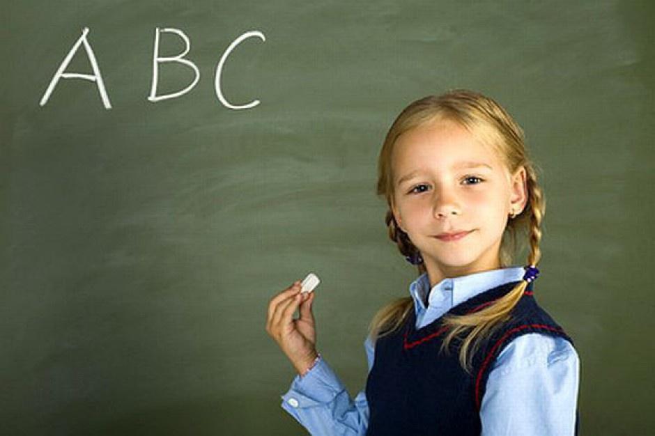 Chorzów: Szkoły zatrudnią dodatkowych nauczycieli w I klasie
