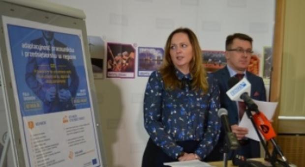 Łódzkie: Pracownicy, którzy stracili pracę z przyczyn zakładu dostaną wsparcie