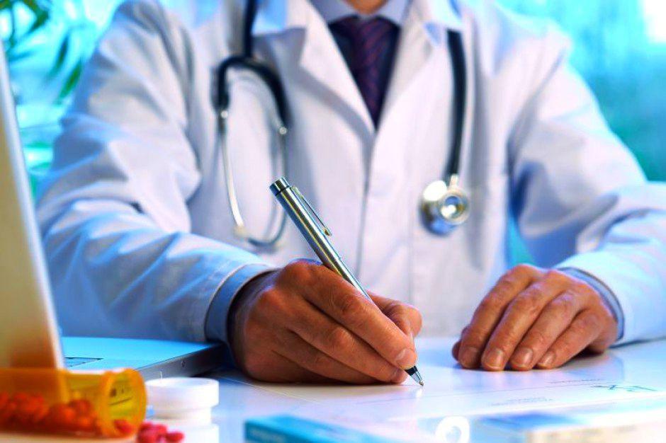 Lekarze rezydenci mało zarabiają