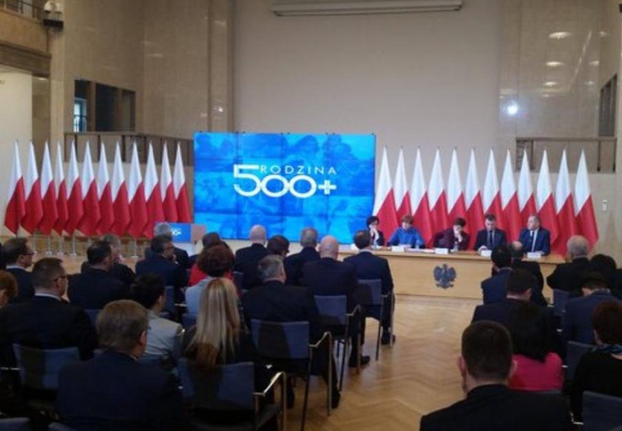 500 zł na dziecko: Przeszkolono ponad 3,7 tys. pracowników w zakresie programu 500 plus