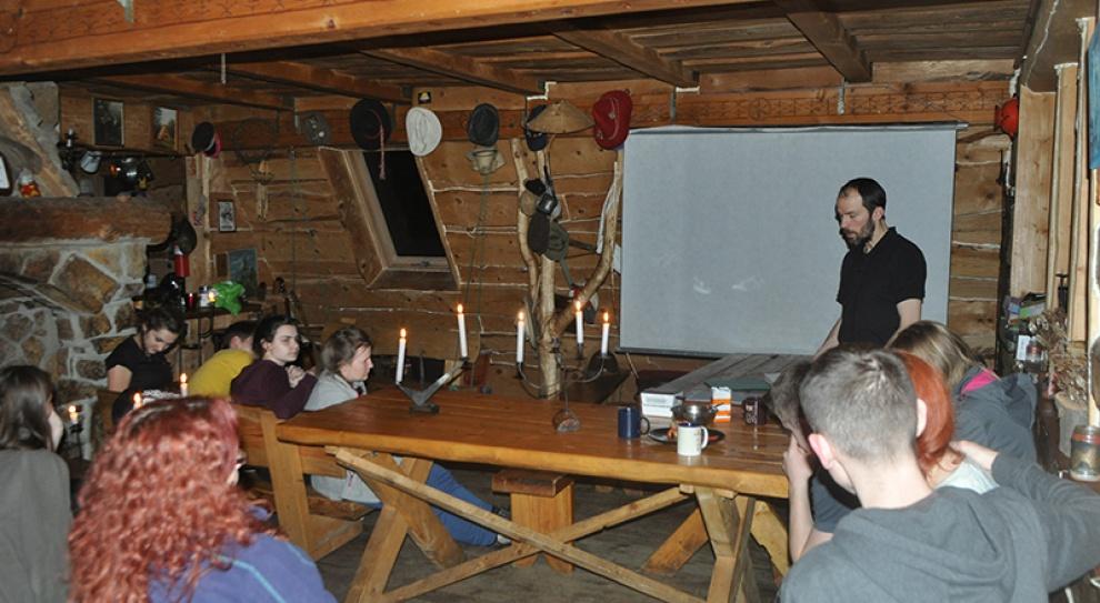 Nauka astronomii: Warsztaty dla studentów i uczniów