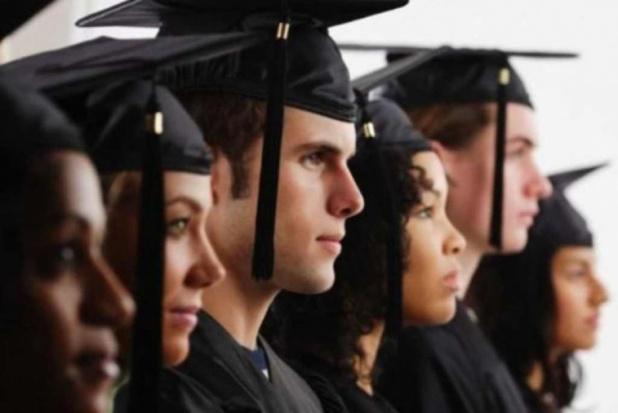 Polscy pracodawcy coraz częściej doceniają dyplomy zagranicznych uczelni (Fot. Fotolia)