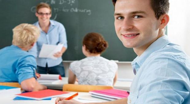 Karta Nauczyciela znowelizowana: Godziny karciane zlikwidowane