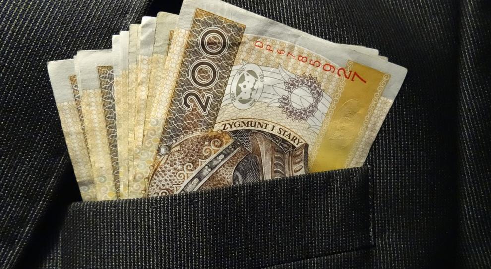 Warmińsko-mazurskie: Pracodawcy rzetelniej płacą wynagrodzenia pracownikom