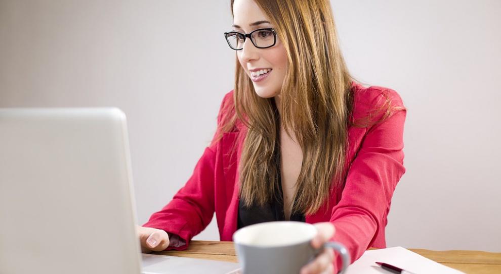 Praca w IT: Program Mama w IT zwiększy liczbę kobiet zatrudnionych w branży informatycznej?