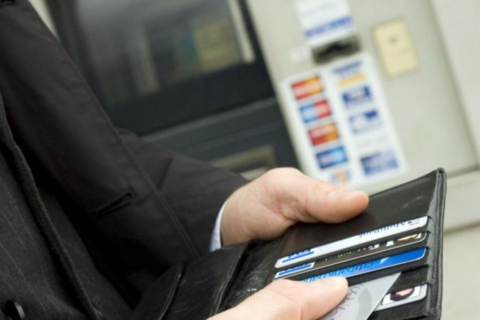 2 tys. zł na kartach elektronicznych dla pracowników PERN