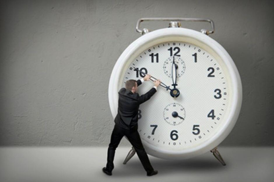 Ustawa o dniach wolnych: W Wielki Piątek i Wigilię będziemy pracować krócej? Jest projekt