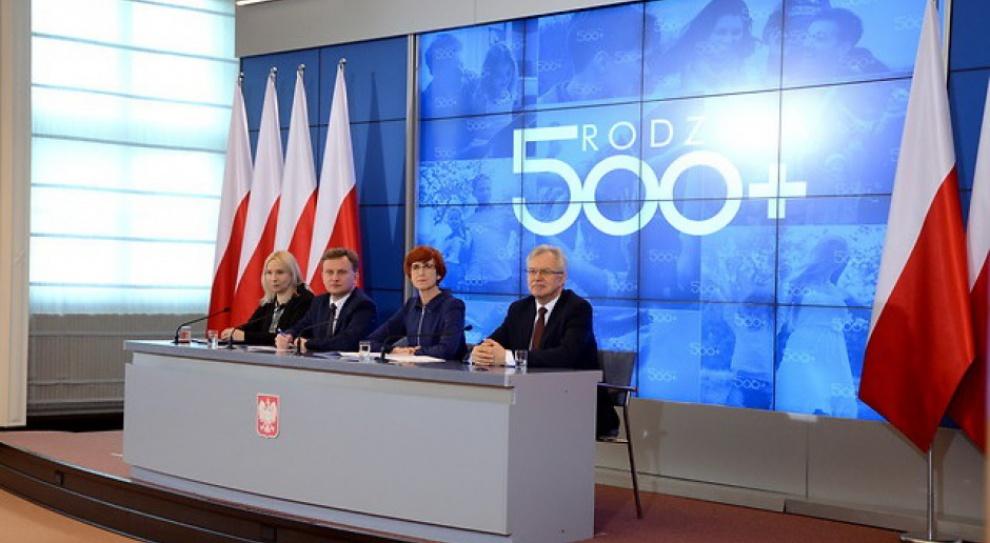 500 zł na dziecko, praca: Jak program 500 plus wpływa na aktywność zawodową? Ministerstwo sprawdzi