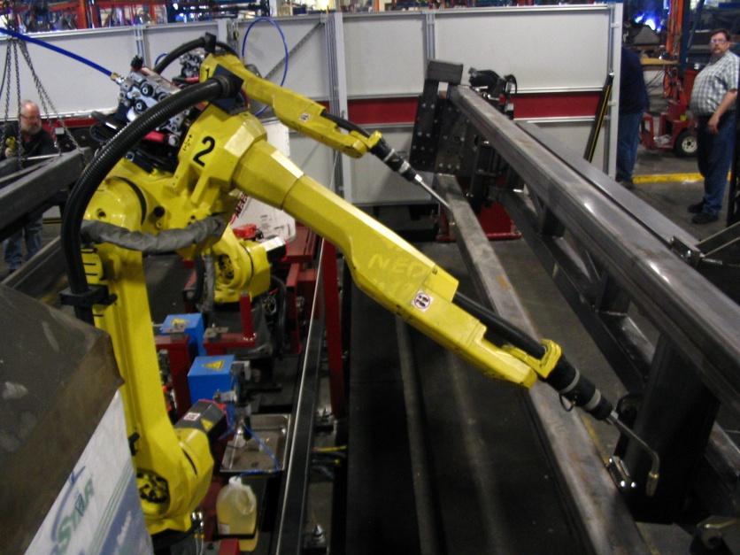 Pracownicy w pułapce. Roboty zabiorą im pracę?