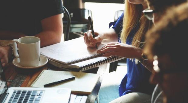 Trendy CSR: Wolontariat kompetencji - menedżerowie dzielą się wiedzą