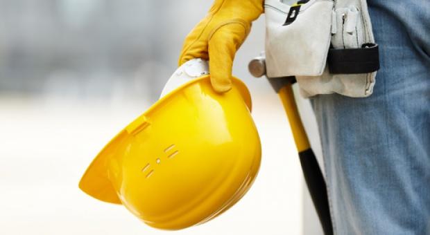 By poprawić bezpieczeństwo pracy, menedżerowie muszą zmienić złe nawyki pracowników