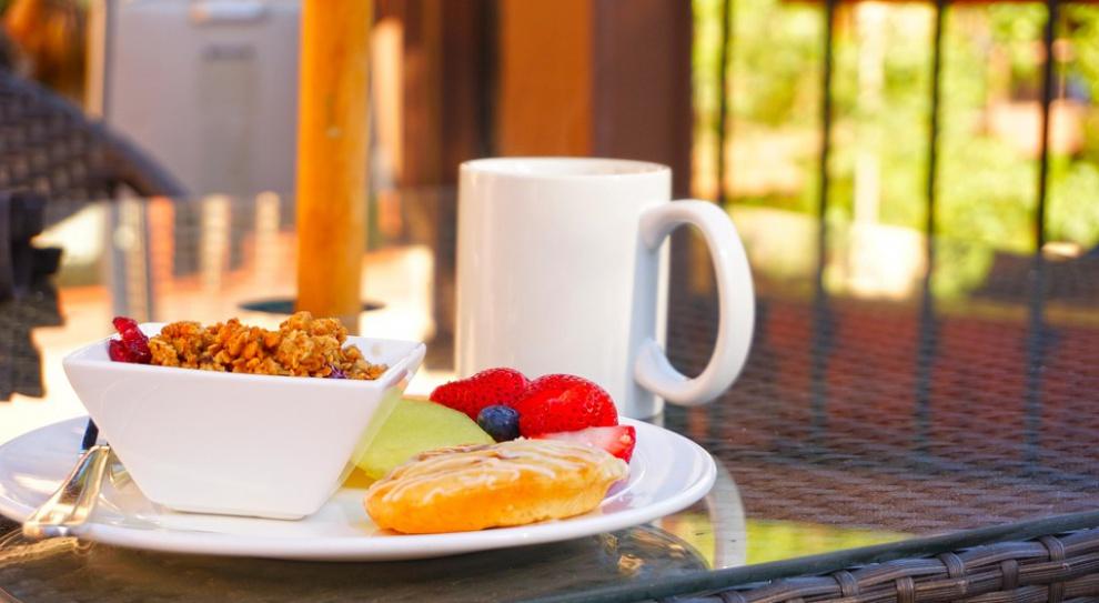 Jedzenie w pracy: Co jedzą pracownicy?