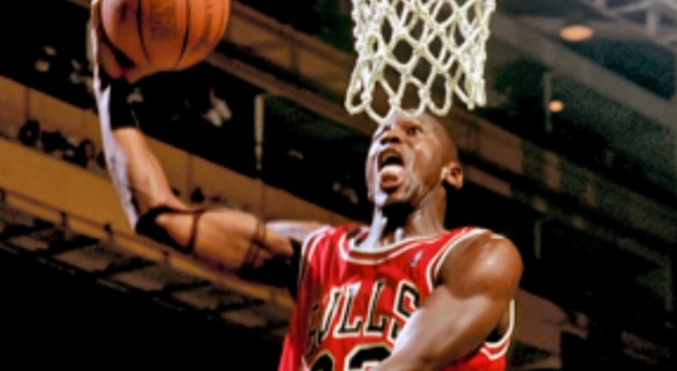 Najlepiej zarabiający byli sportowcy: Michael Jordan na pierwszym miejscu listy. Dalej Beckham i Palmer
