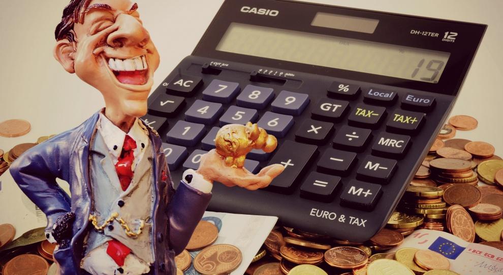 Ile zarabia specjalista ds. kadr i płac, a ile kierownik ds. wynagrodzeń?