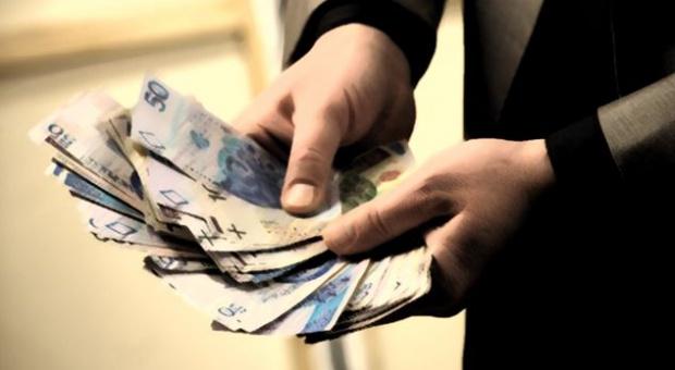 Wynagrodzenia: Szeregowy pracownik ma w Polsce problem. Rozwarstwienie narasta?