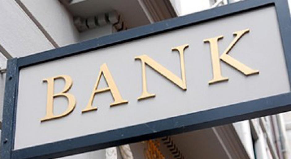 Praca bankowców: Zamrożone pensje, nierealne plany i nadmierna presja
