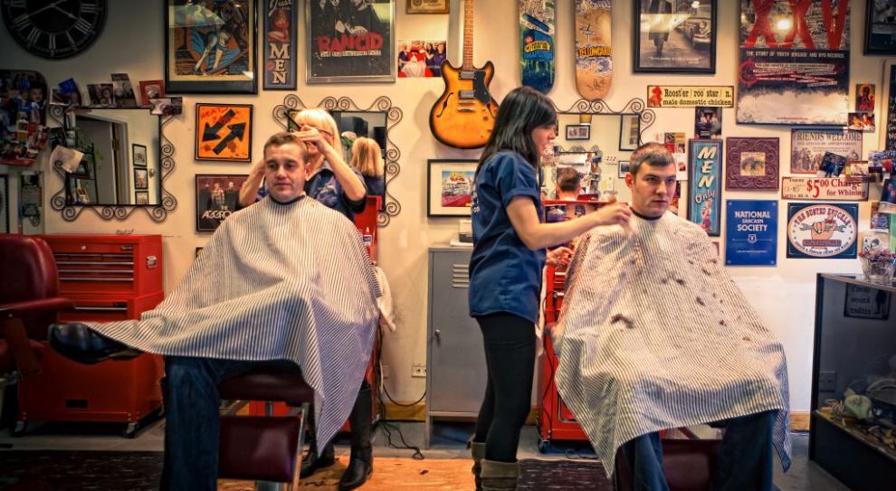 RODO. Czy naprawdę fryzjerzy, kosmetyczki i mechanicy powinni się bać?