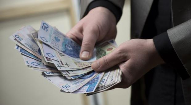 Pracownicy tej firmy dostaną 2 tys. zł premii