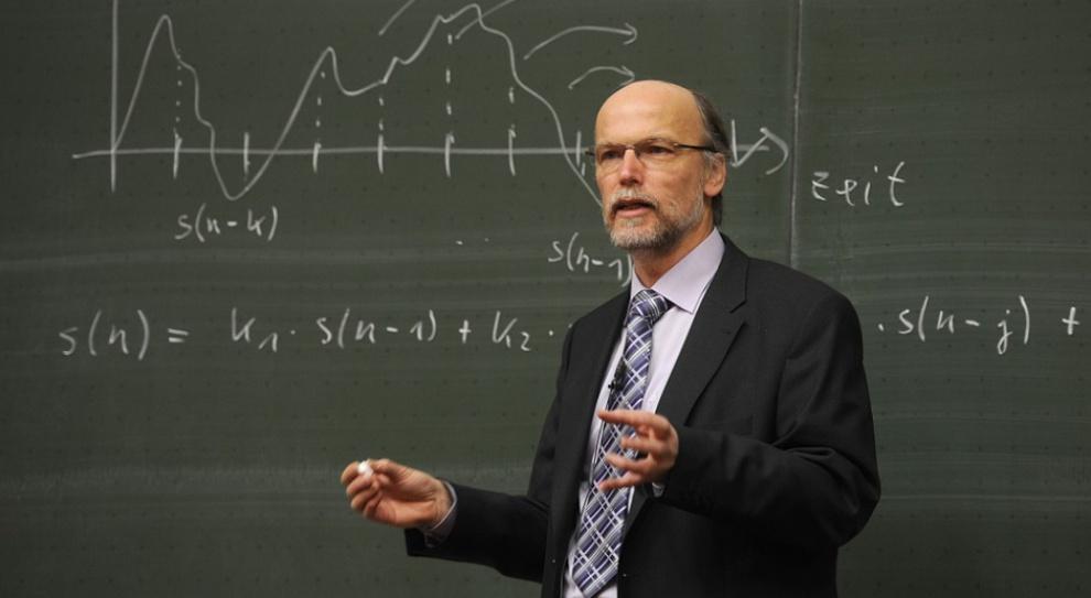 Świadczenia kompensacyjne: Rząd wyśle nauczycieli na wcześniejsze emerytury?