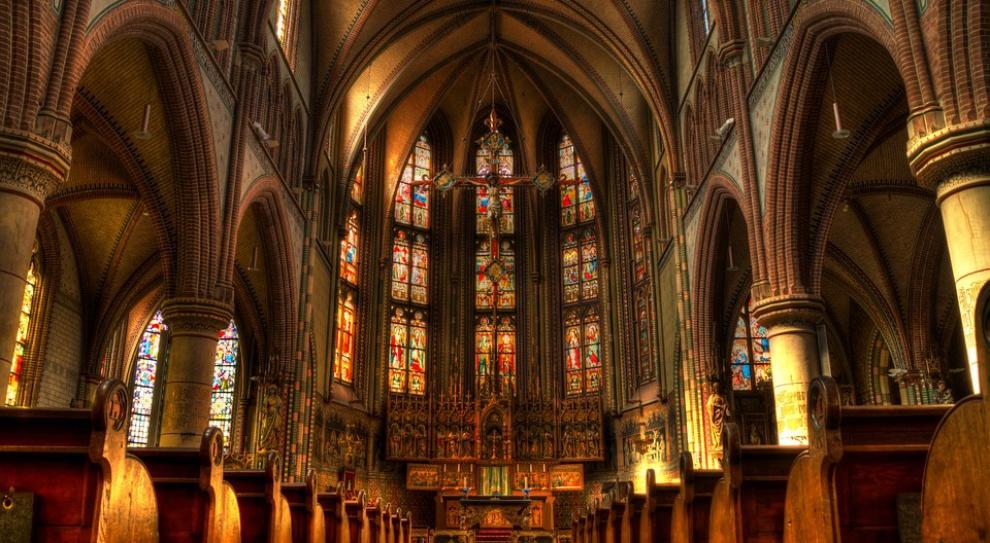 W Polsce agencje zatrudnienia zakładają nawet... kościoły katolickie