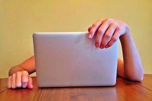 Administracja ma problem z serwisami internetowymi
