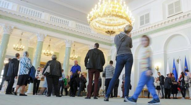 Kancelaria Prezydenta tnie koszty: Mniejsze pensje i zatrudnienie