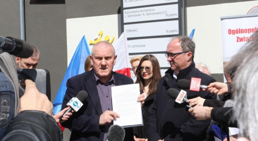 SLD i związkowcy przygotowują się do pierwszomajowego pochodu w obronie praw pracowniczych