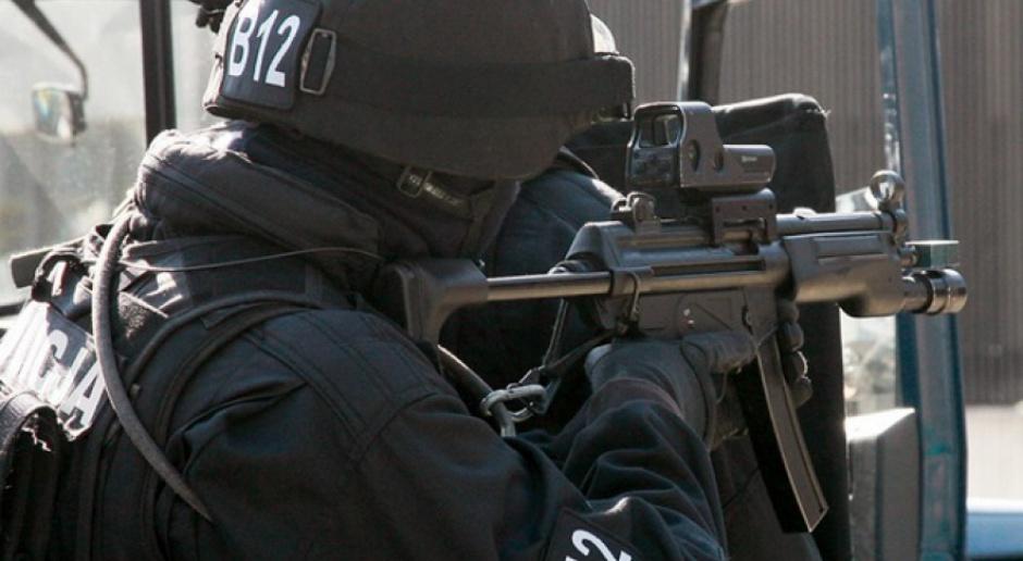 Ataki terrorystyczne: Policja i ochrona będzie potrzebować pracowników