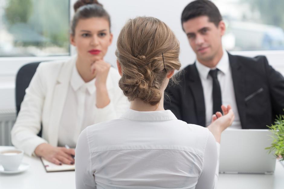 Okres próbny w pracy: Jak zrobić dobre wrażenie, by dostać zatrudnienie na stałe?