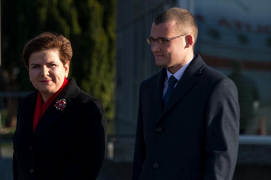 Premier Beata Szydło i minister Paweł Szefernaker. (fot. premier.gov.pl)
