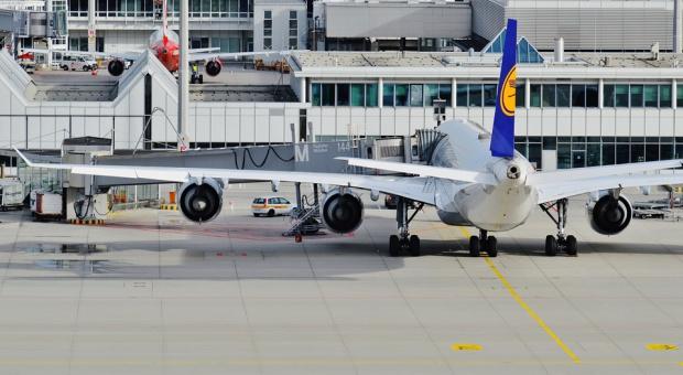 Loty z Niemiec odwołane. Strajki ostrzegawcze na sześciu lotniskach