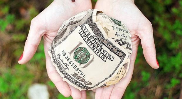 Benefity, podatki: Zanim dasz benefit pracownikowi upewnij się, jak go rozliczyć