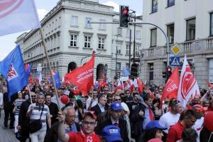We Francji konwalie, nad Moskwą  azot, a w Polsce OPZZ zaprasza KOD-owców