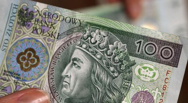 Wynagrodzenia: Podwyżki dla pracowników KRUS oraz dyrektorów RZGW i urzędów morskich