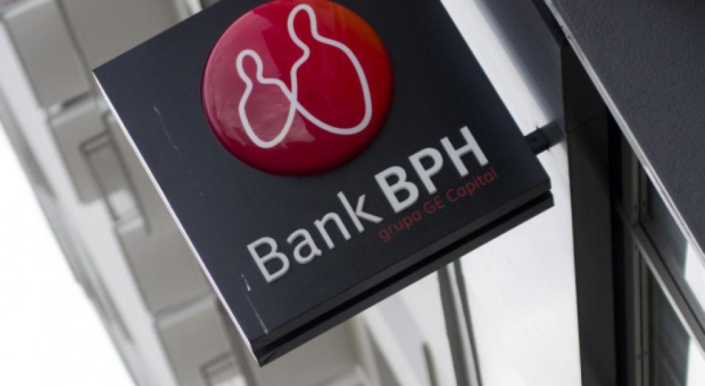 Bank BPH: Masowe zwolnienia i gorsze warunki pracy