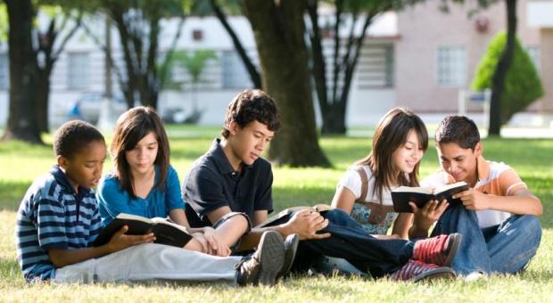 Studia i praca za granicą: Nowe przepisy ułatwią studiowanie i pracę w krajach Unii Europejskiej