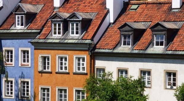 Przybywa zarówno deweloperów posiadających w swoim portfelu takie kamienice, jak i najemców zainteresowanych wynajmem powierzchni w tych wyjątkowych budynkach. (fot. pixabay)