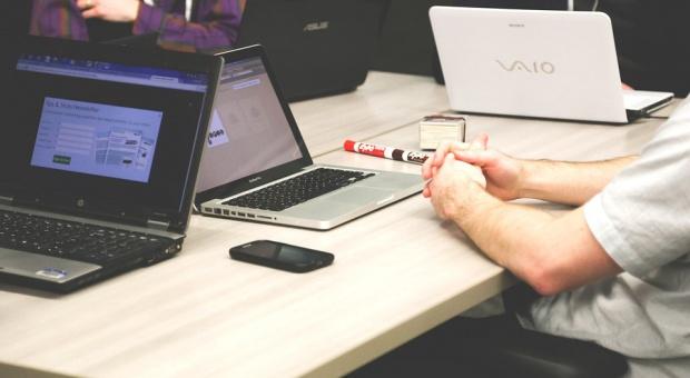 """Coworking to generalnie idea """"wspólnej pracy"""", """"dzielenia biura"""". (fot. pixabay)"""