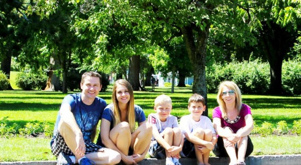Zwolnienia dla rodziców, Michalak: Rodzice z kilkorgiem dzieci powinni mieć więcej płatnego zwolnienia z pracy