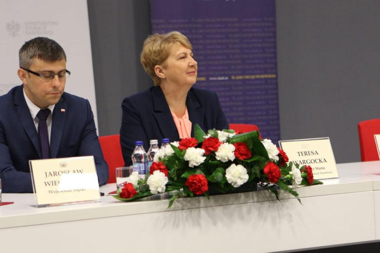 - Ok. 100 tys. uczniów z niepełnosprawnością wypada nam w ogóle z systemu i później zostaje bez żadnego przygotowania zawodowego na rynku pracy - powiedziała Teresa Wargocka (fot.men.gov.pl)