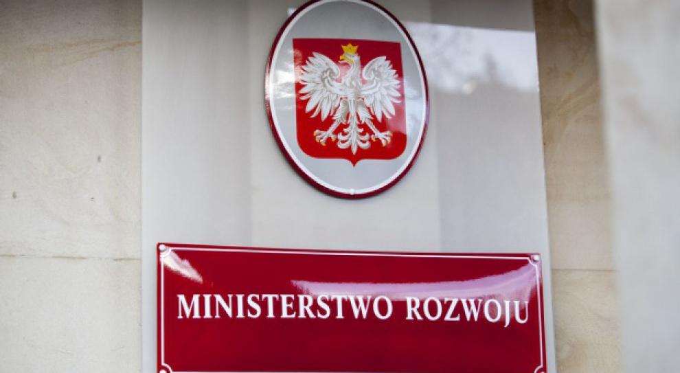 Dzięki nowym inwestycjom zagranicznym w Polsce powstanie tysiące miejsc pracy