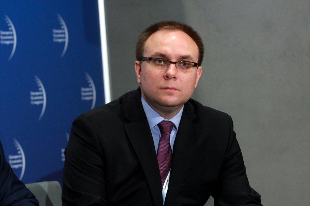 Moderatorem debaty był Paweł Czuryło, zastępca redaktora naczelnego Interii. Fot. PTWP
